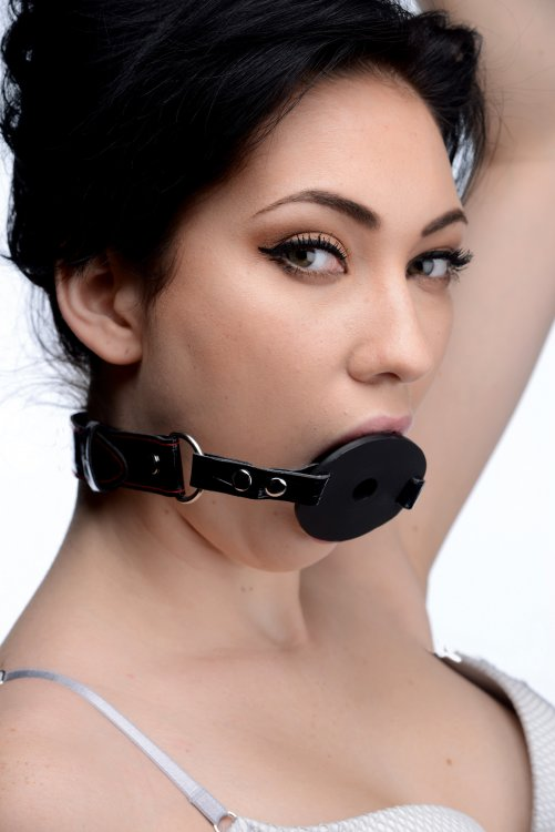 Master Series Devour Locking Feeding Gag Black2